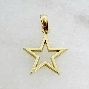 """10k Yellow Gold Cut-out Star ⭐️ Pendant 5/8"""" .64g"""